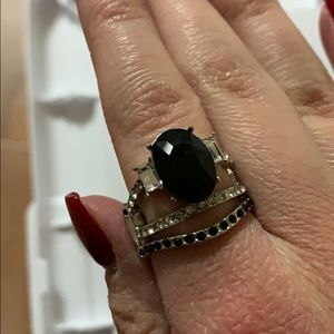 NWOT Beautiful black ring